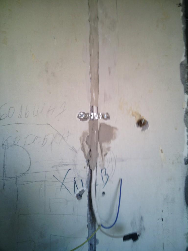 Заделка кабеля после штробления